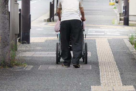 老後破綻の原因は生活レベルを落とせないこと