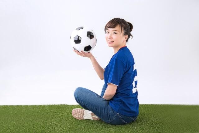 絶対的趣味のスポーツ観戦が激減した理由が若者と一緒だった